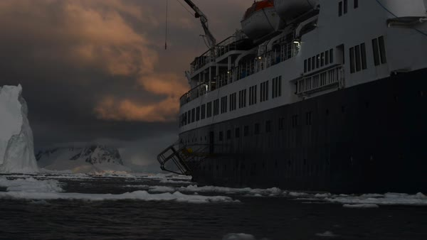 Hand-held shot of a ship in Antarctica Royalty-free stock video