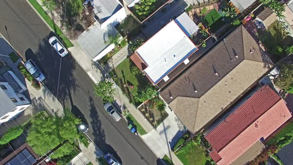 Aerial shot of a residential neighborhood in Los Angeles Royalty-free stock video
