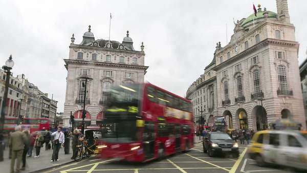 Timelapse of busy traffic at picadilly circus Royalty-free stock video