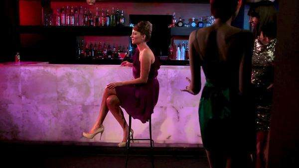Young woman meeting friend at cocktail bar Royalty-free stock video