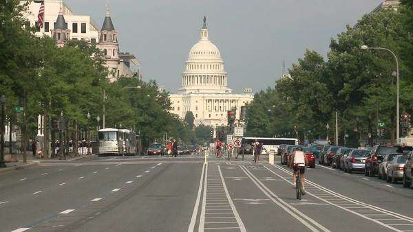 Capital Building traffic, timelapse shot Royalty-free stock video
