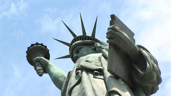 The Statue of Liberty holds a torch and a tablet. Royalty-free stock video