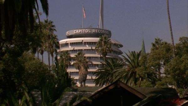 Zoom-in to the round Capitol Records building in Hollywood, California. Royalty-free stock video