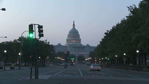 A slow zoom into the Capitol Building in Washington DC. Royalty-free stock video