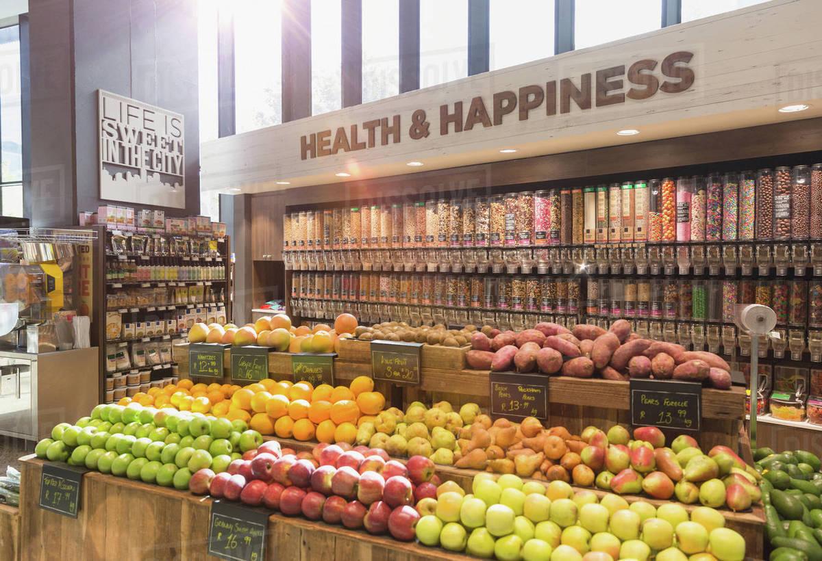 Fresh, organic fruits, vegetables and bulk food in health ...