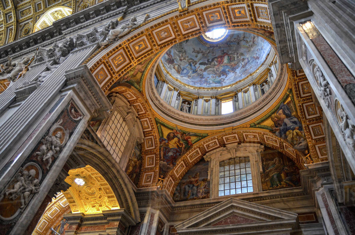 St Peter's Basilica in Rome, Italian Renaissance ...