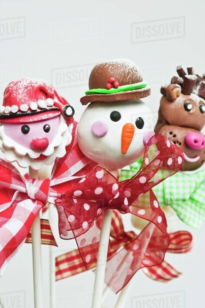 Christmas Cake Pops.Father Xmas Snowman And Reindeer Christmas Cake Pops On Sticks Stock Photo