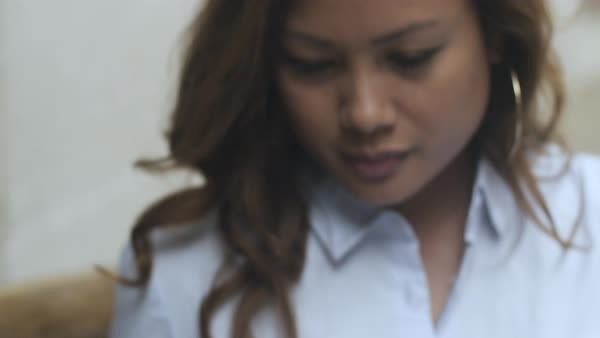 Hand-held shot a business woman using a smartphone Royalty-free stock video