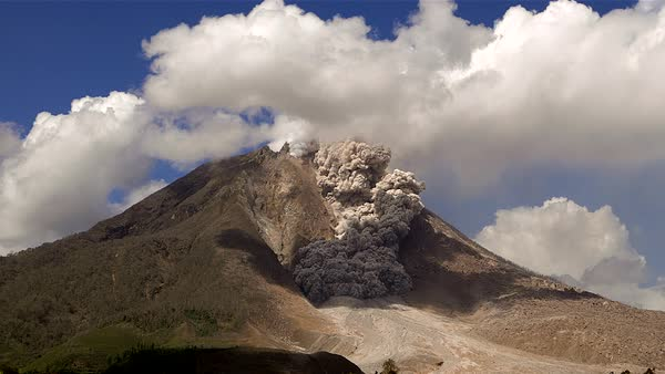 Pyroclastic flow from erupting Sinabung volcano Royalty-free stock video