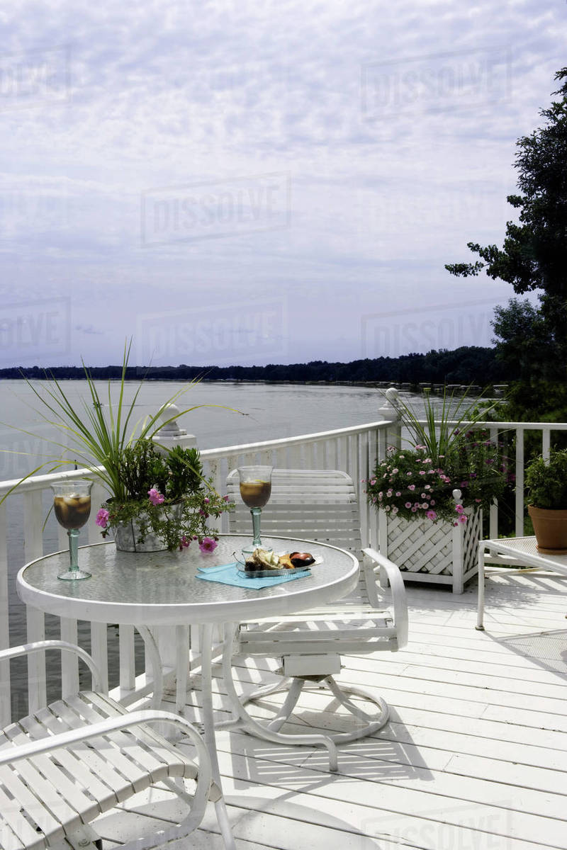 Upper Third Story Deck Overlooking Lake