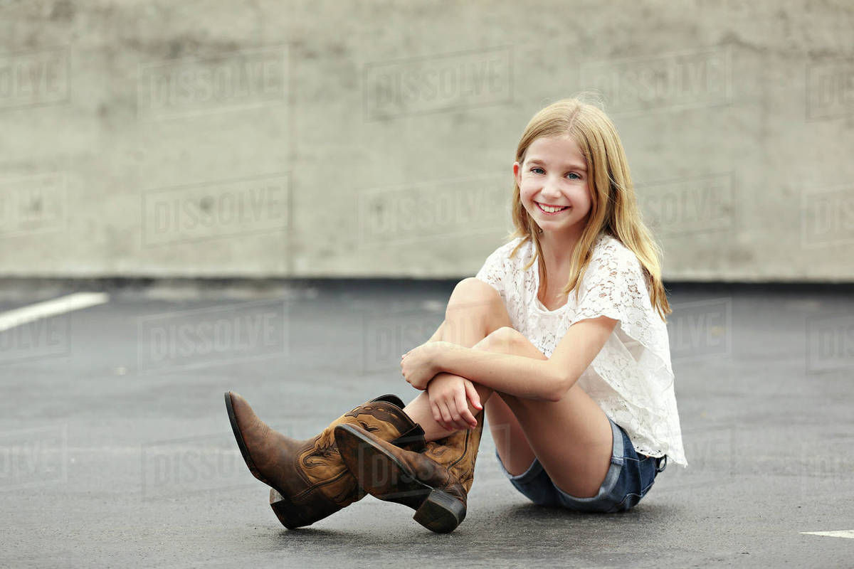 girls in cowboy boots
