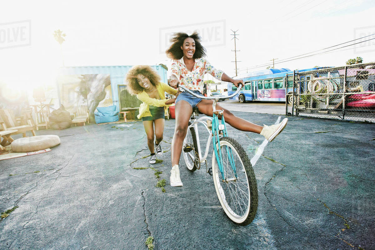 Ljepotice i bicikli - Page 11 D145_295_691_1200