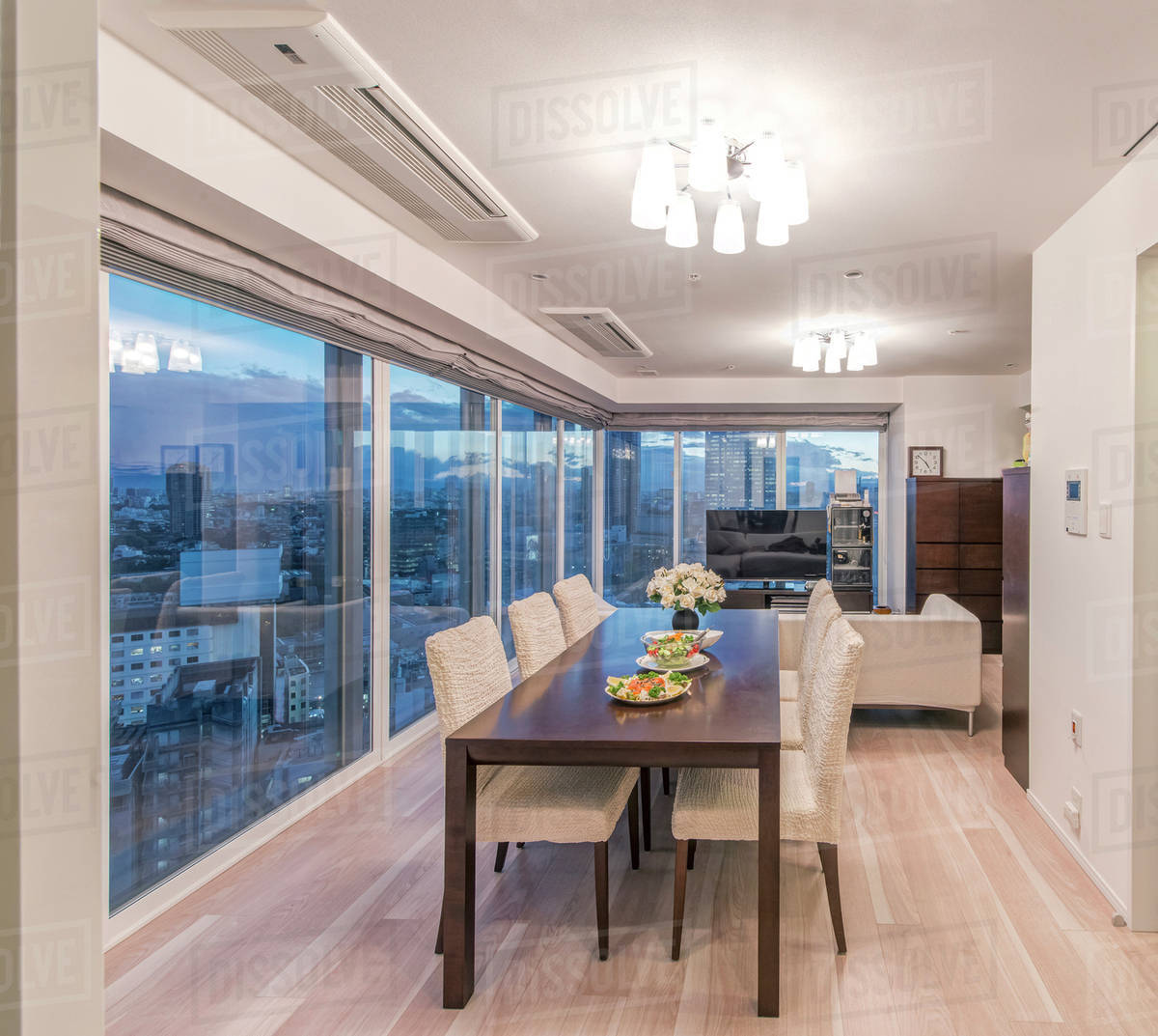 Dining table and chairs in modern apartment D145_31_741