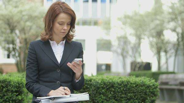 Business Woman receives a call, medium shot Royalty-free stock video