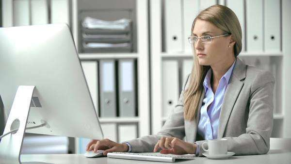 Close up of business lady working at the desktop Royalty-free stock video