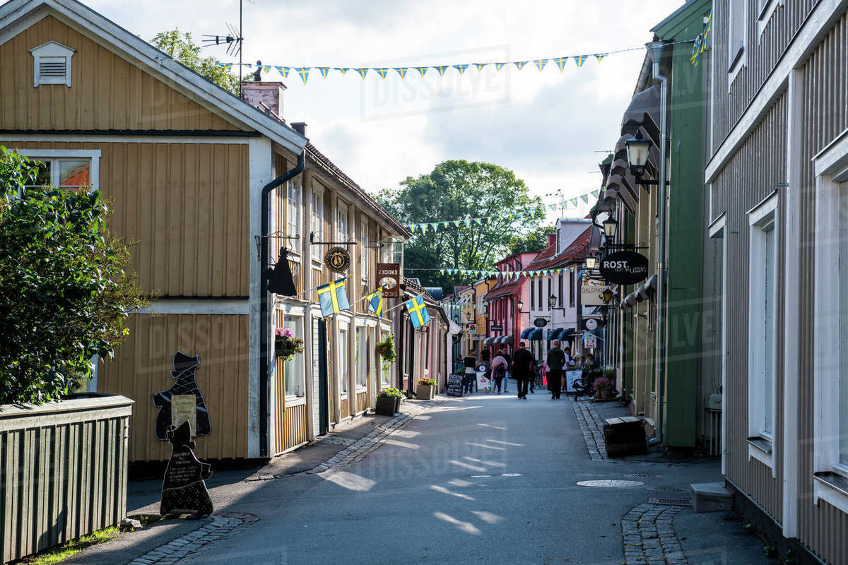 Old houses in the pedestrian zone of Sigtuna, the oldest town of Sweden,  Scandinavia, Europe stock photo