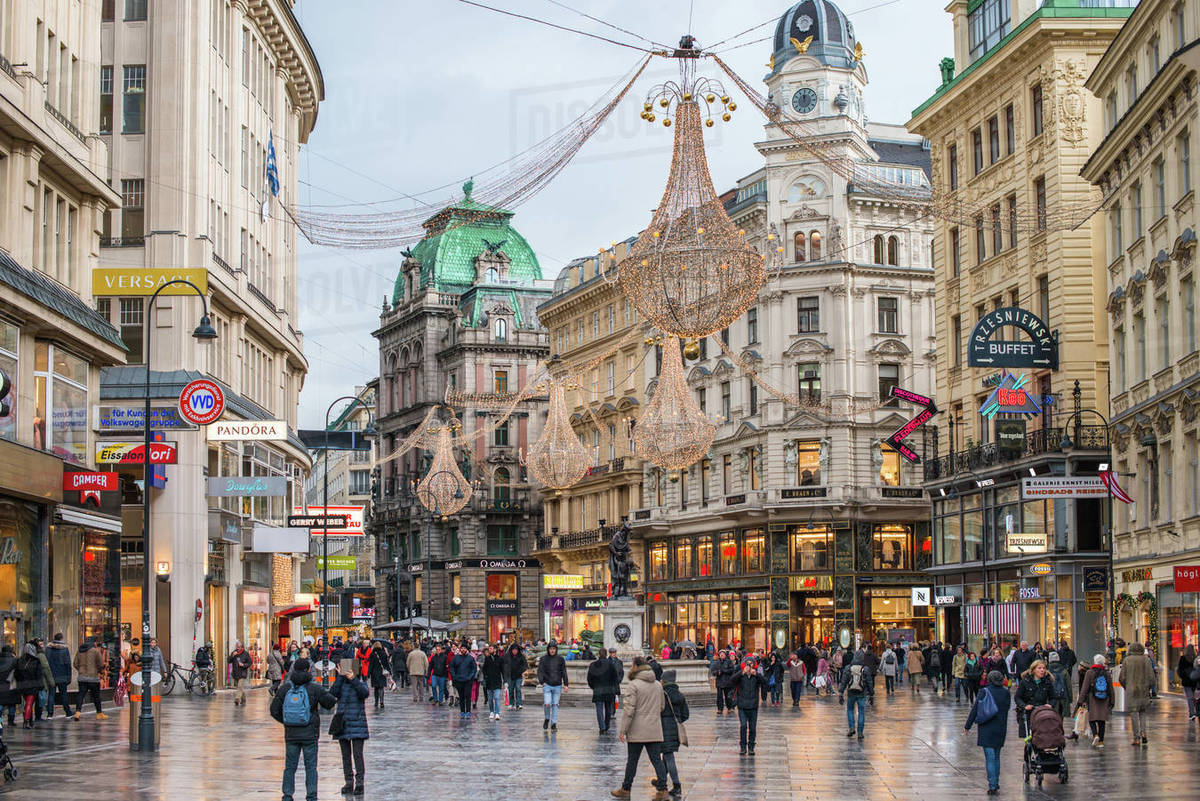 Christmas illuminations at dusk, on Vienna's city centre thoroughfare the Graben, Vienna, Austria, Europe Royalty-free stock photo