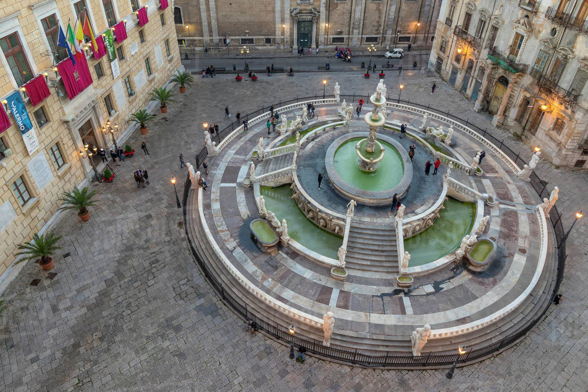 The Praetorian Fountain (Fontana Pretoria), Palermo, Sicily, Italy, Europe Royalty-free stock photo