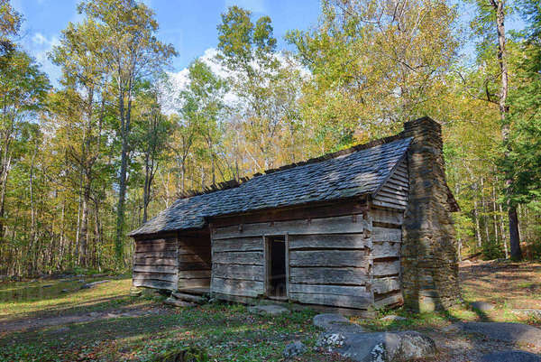 Tennessee, Great Smoky Mountains National Park, Roaring Fork Motor Nature Trail, Ephraim and Minerva Bales farm, dog-trot style farmhouse, built circa 1890 Rights-managed stock photo