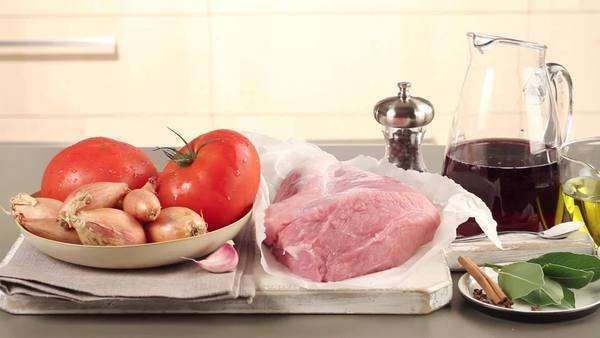 Ingredients for stifado (Greek meat ragout) Royalty-free stock video