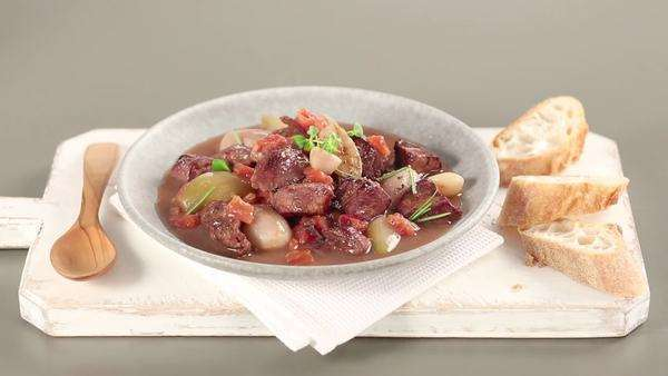Stifado (Greek meat stew) Royalty-free stock video