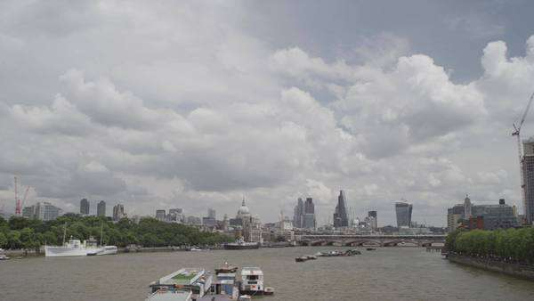 Wide-angle shot of river Thames in London, UK Royalty-free stock video
