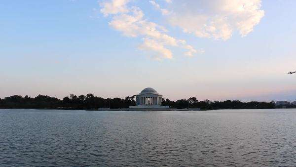 Airplane over Washington DC and the Jefferson Memorial Royalty-free stock video