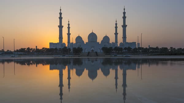 Day to night time lapse, Sheikh Zayed Bin Sultan Al Nahyan Mosque, Abu Dhabi, United Arab Emirates, UAE Royalty-free stock video