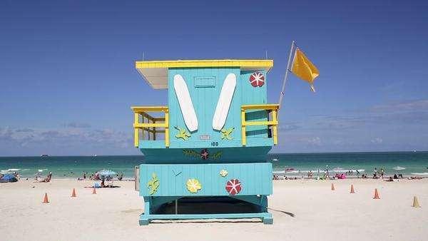 Art Deco Style Liuard Hut On South Beach Ocean Drive Miami Florida