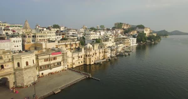 Aerial view over Lake Pichola and the City Palace in Udaipur, Rajasthan, India Royalty-free stock video