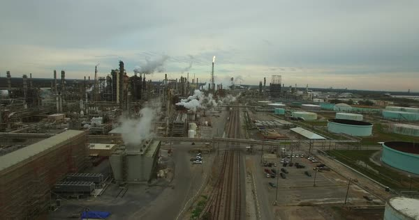 Excellent aerial over huge industrial oil refinery. Royalty-free stock video