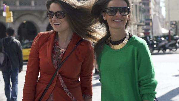 Happy, funny girlfriends in the city, super slow motion. Royalty-free stock video