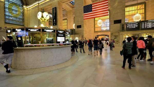 Grand Central commuters Royalty-free stock video