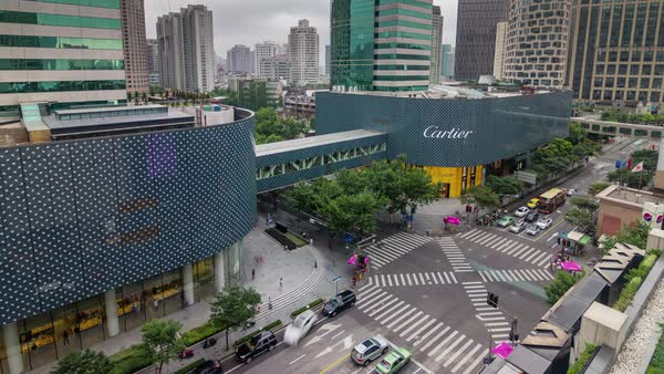 Shanghai roof top mall traffic street crosswalk panorama 4k time lapse china Royalty-free stock video