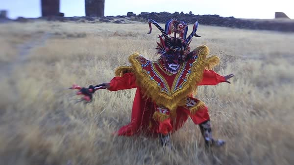 Wide shot of a Peruvian dancer in Puno Royalty-free stock video