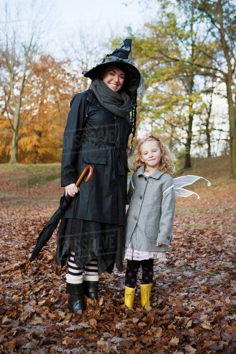 Mother and daughter in costumes Royalty-free stock photo