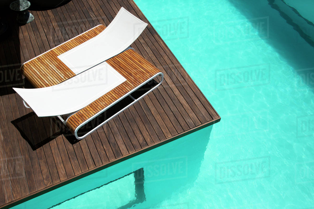 Admirable Lounge Chairs At Luxury Poolside D985 7 925 Ncnpc Chair Design For Home Ncnpcorg