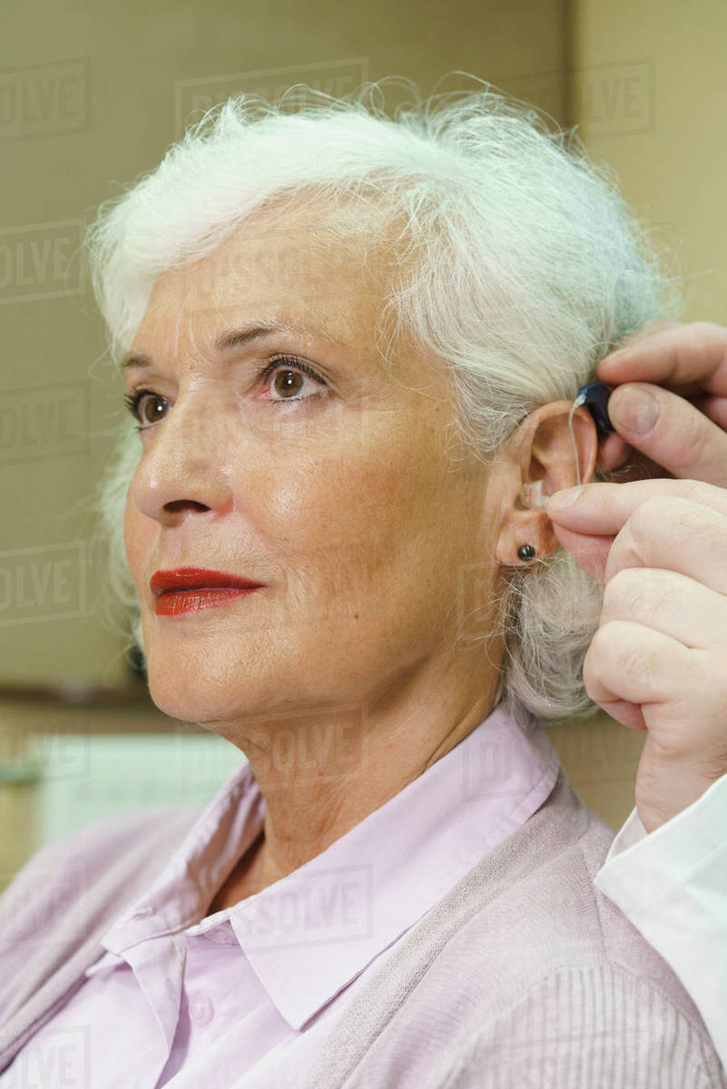 Free hearing aids for seniors